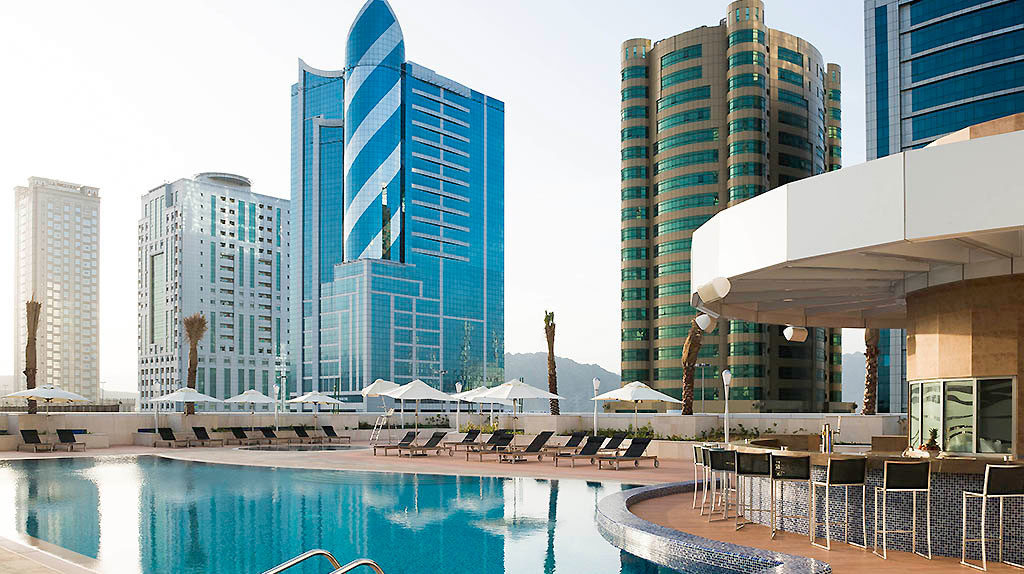 Новогодние праздники в Арабских Эмиратах с вылетом из Саратова от 38500 рублей